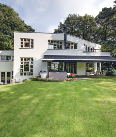 Moderne Villa met Landelijk Uitzicht