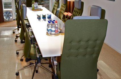 vergaderruimte-tafel.jpg