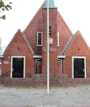 Klassieke Kerk met Modern Interieur