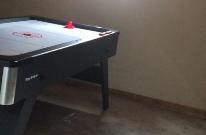 Speelkamer-airhockeytafel-800x900 kopie.jpg