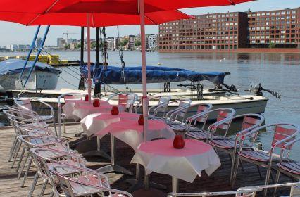 Voormalig-binnenvaartschip-IJhaven-Amsterdam-image-5.JPG