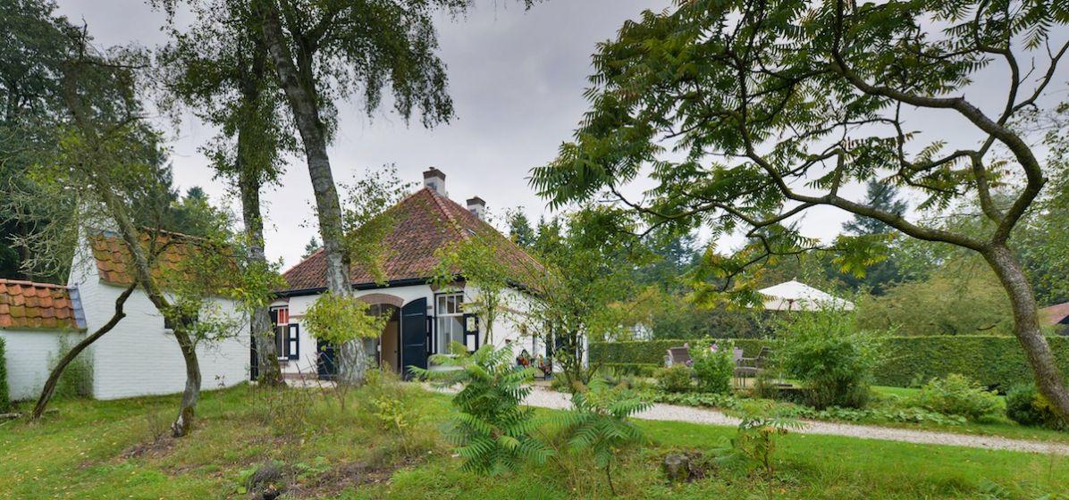 Privé-landgoed-in-de-bossen-leuvenum-gelderland-image-12.jpg