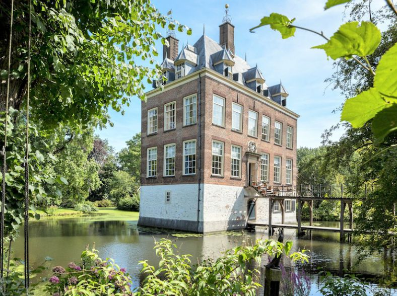 Klassiek Landhuis in Hartje Nederland
