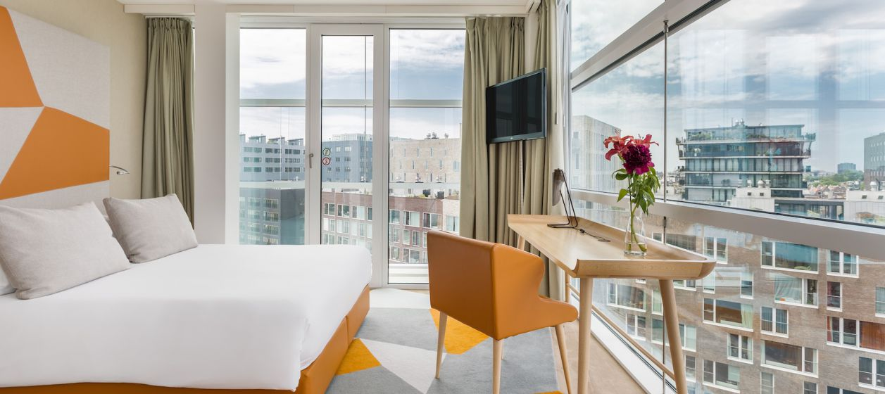 1 Room Mate Aitana Hotel Executive Room.jpg