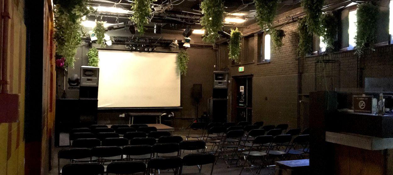 Barzaal theateropstelling daglicht .jpg