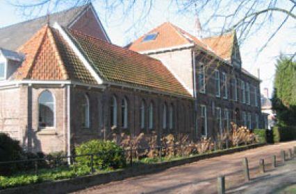 2d voorkant klooster.jpg