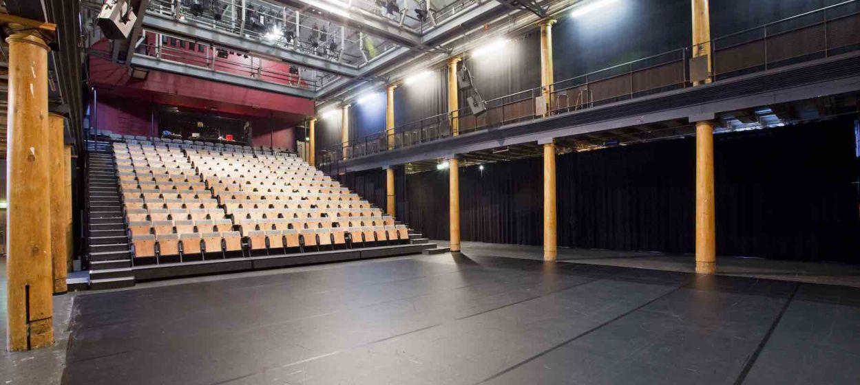 1263_original_111109019-compagnietheater-interior.jpg