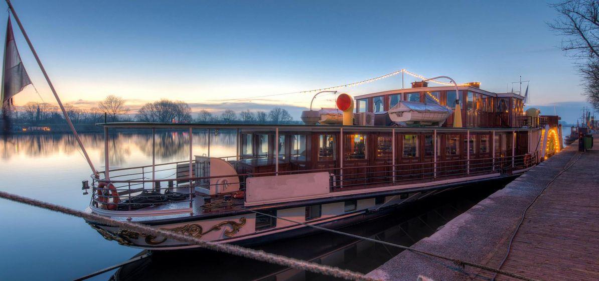 NDSM vergaderen boot overnachten Amsterdam