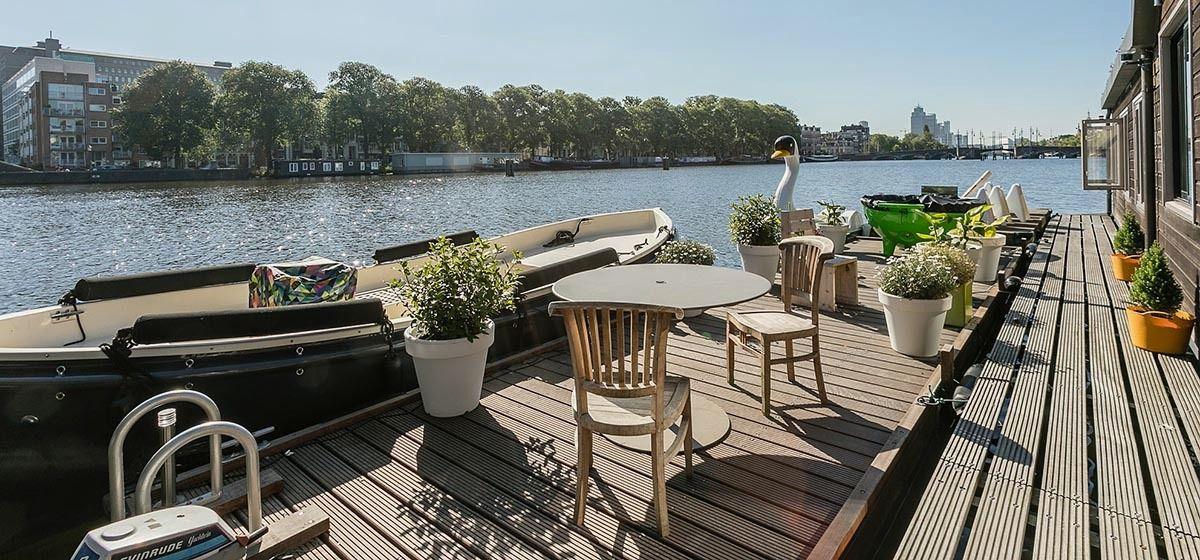 Sfeervolle Woonboot aan de Amstel in Amsterdam