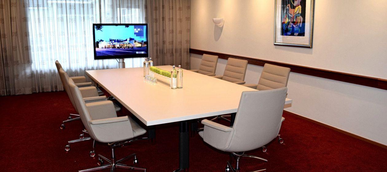 Boardroom klein_InPixio.jpg
