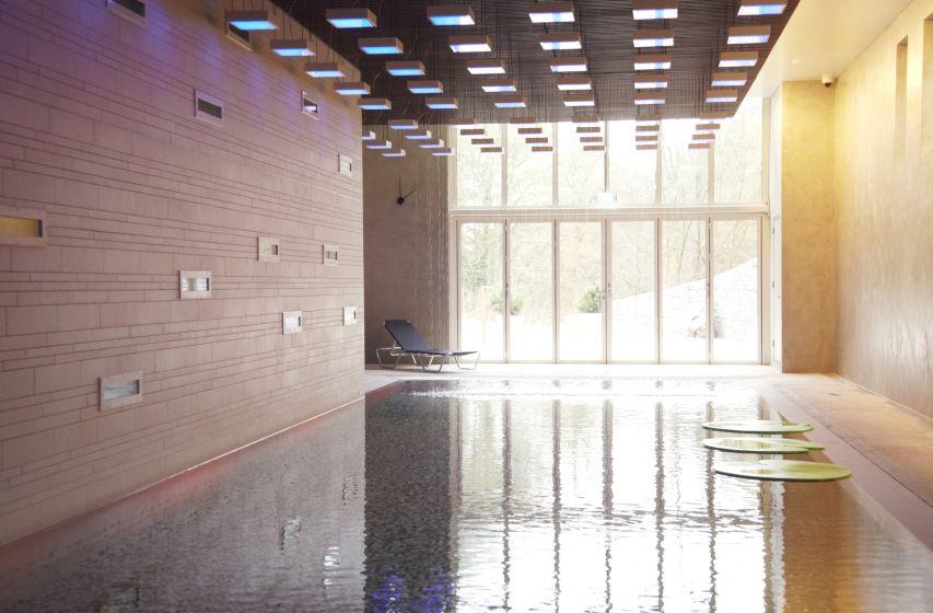 20. overzicht zwembad blooming hotel.jpg