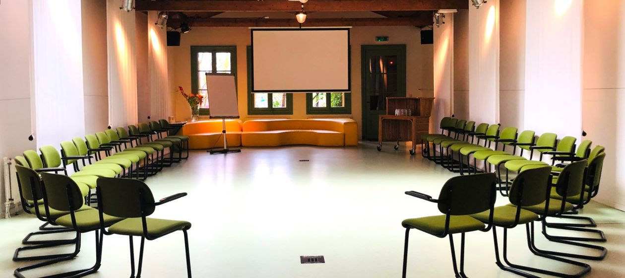 Meeting in zaal E_InPixio.jpg