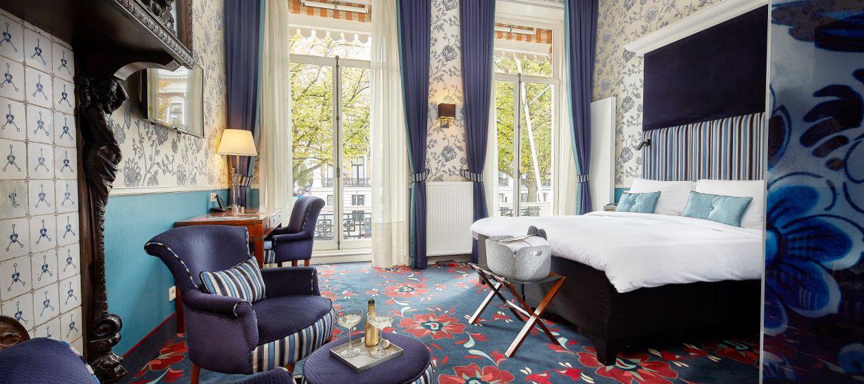 14. Carlton_Ambassador_Hotel_Residence_01_InPixio.jpg