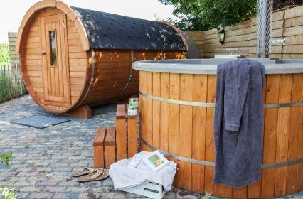 sauna en hottub.jpg