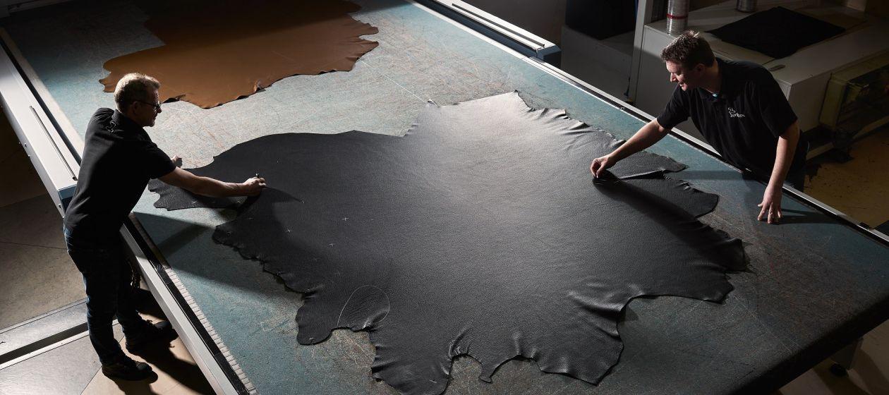 03_Leolux HT8_3812_Leather cutting_InPixio.jpg