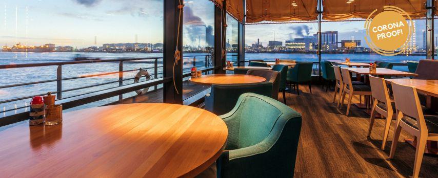 Aan de Rotterdamse haven