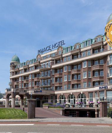 Imposant Hotel aan Zee