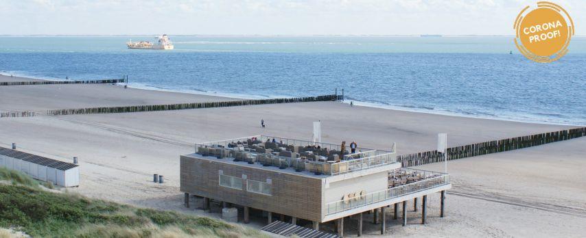 Modern Beachhotel aan Zee