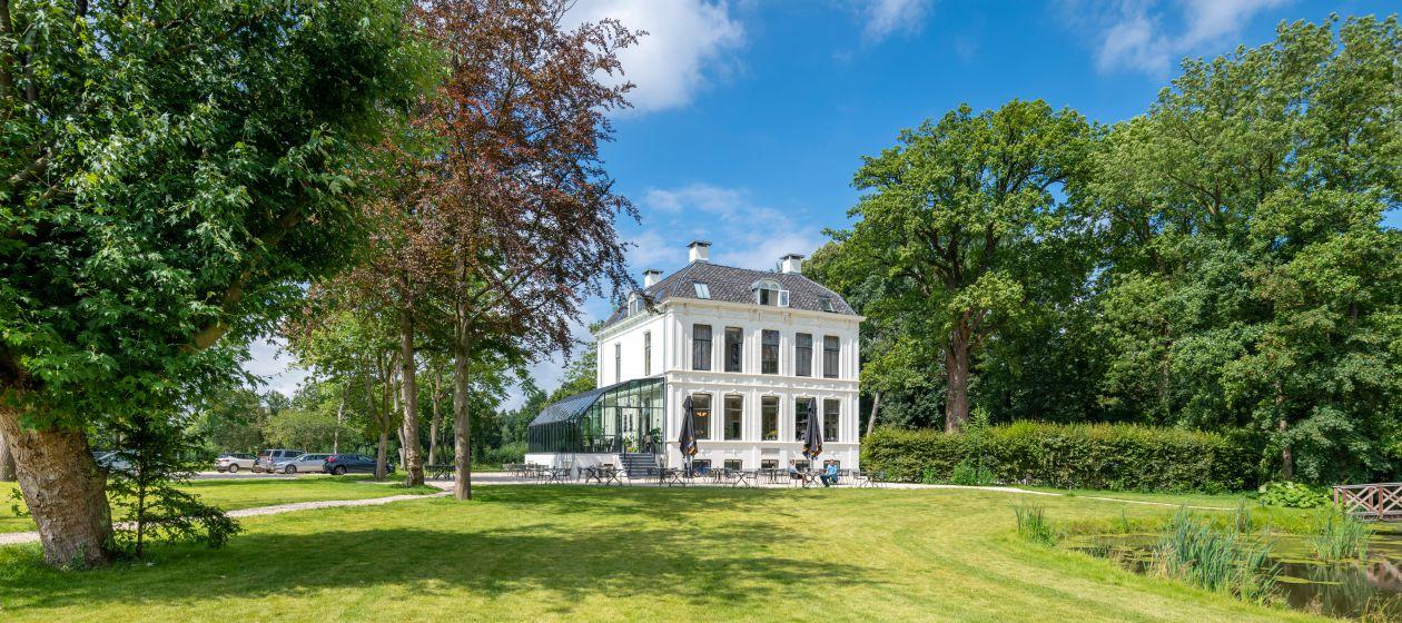 Villa van buiten_InPixio.jpg