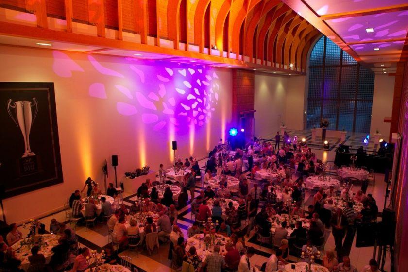 Great Hall diner ronde tafels 3.jpg