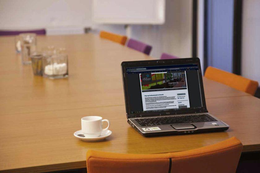 vergaderzaal-laptop.jpg