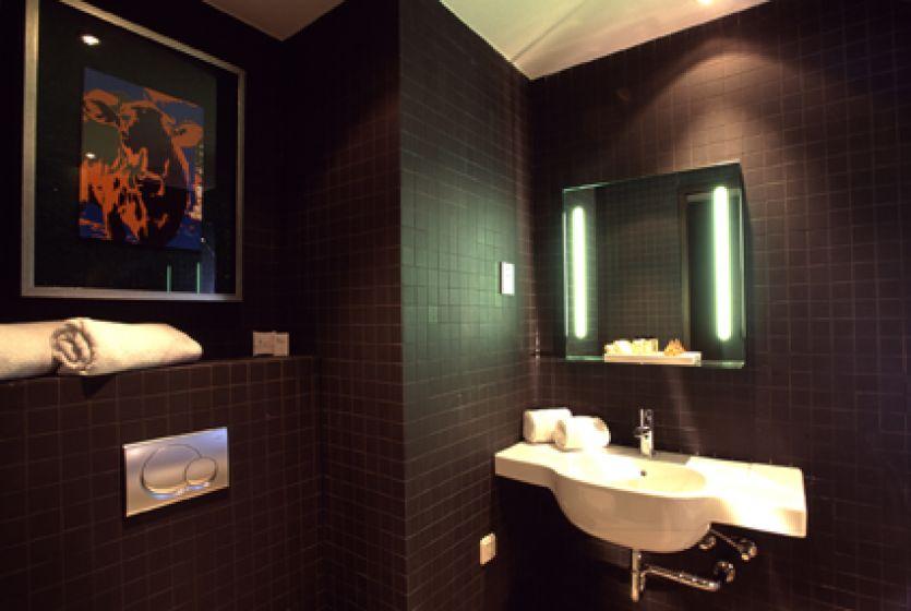 badkamer (2).jpg