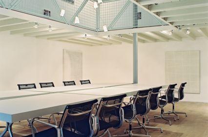 Hilvaria Studio's foto B Regiekamer (2).jpg